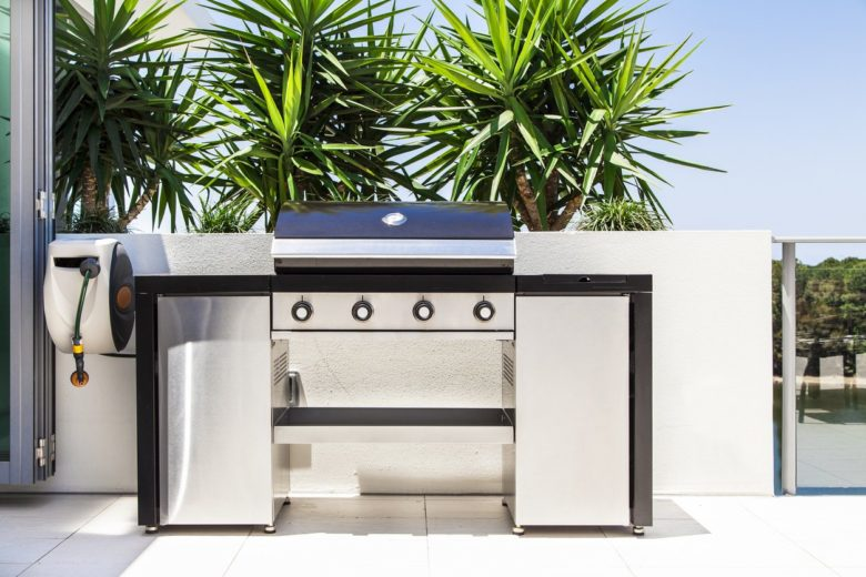 Gas vs. charcoal grills: 7 things to consider when choosing