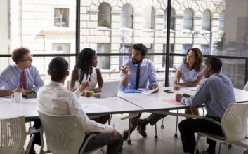 5 easy steps to build confidence in the workplace