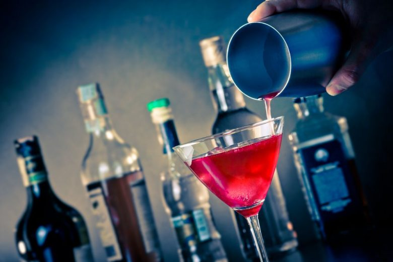 7 ways your phone can turn you into a great bartender