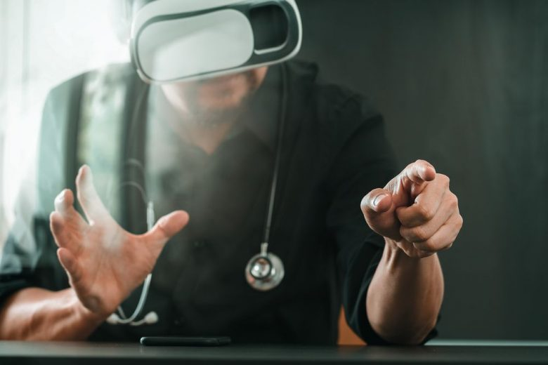 3 amazing health care uses for virtual reality