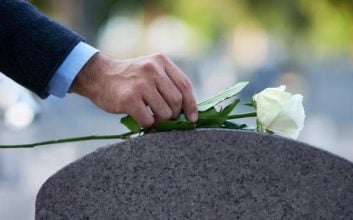 6 ways to save on the cost of a funeral