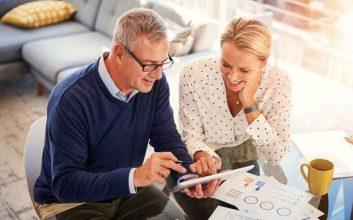 8 tips for seniors ahead of Medicare open enrollment