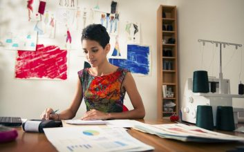 5 reasons women need life insurance more than men do