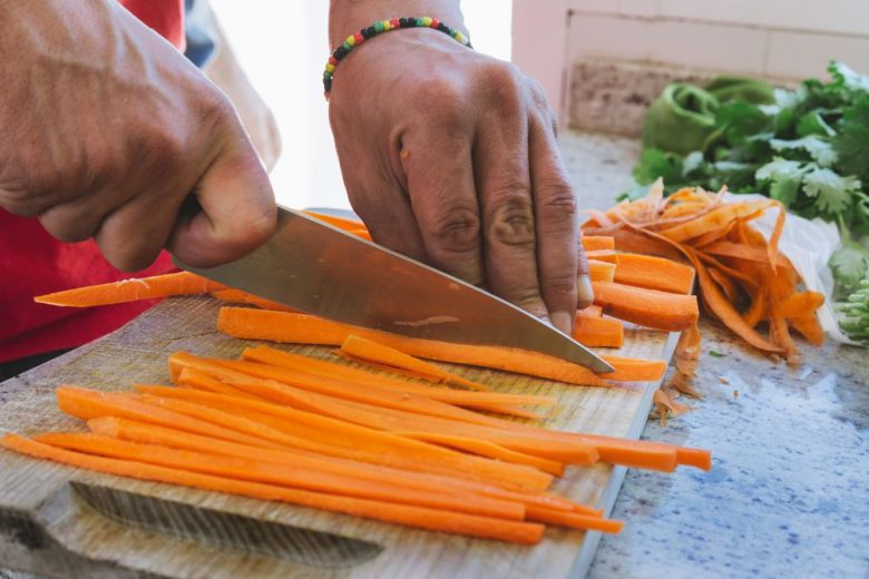 How to hone your kitchen knife skills