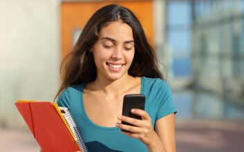 How to use the FAFSA mobile app to get student aid