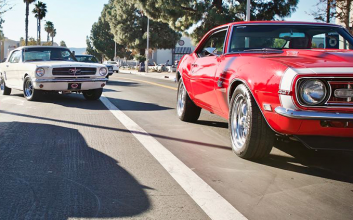 Comedian Kevin Hart drops $500K on classic cars for his team