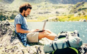 6 documents every freelancer needs to file their taxes