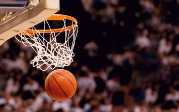 How to host a slam-dunk March Madness activity at work