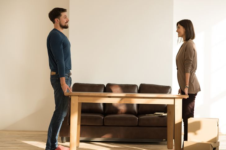 A pro's guide to moving heavy furniture without hurting yourself