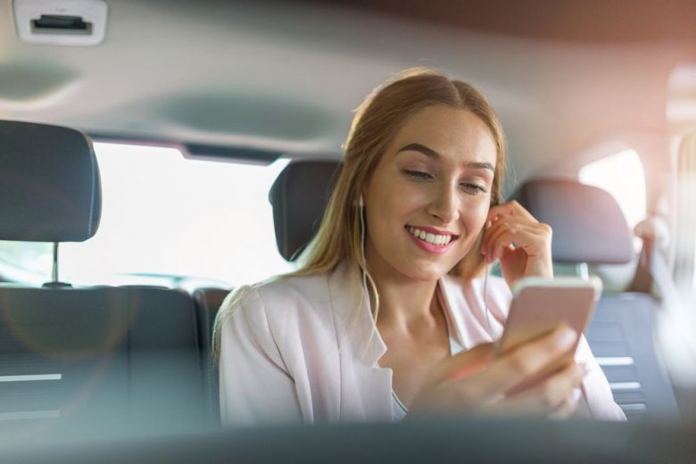 How to stay safe in an Uber or Lyft