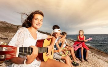 4 ways to find the right summer camp for your kids