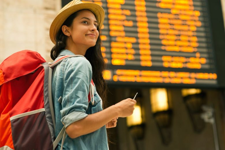 3 cheap travel tips — no credit cards involved
