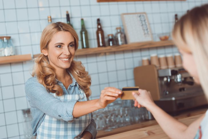 The advantages & disadvantages of accepting credit cards at your small business