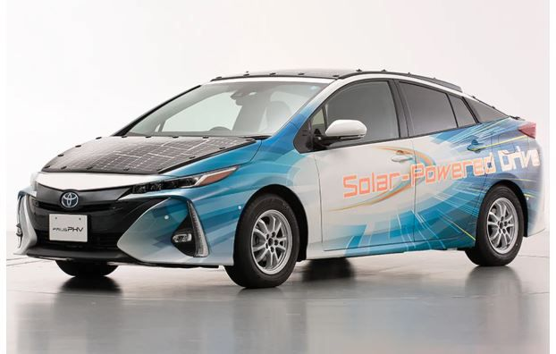 Are carmakers getting serious about solar panels?