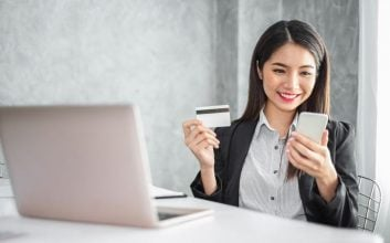 Can getting a new credit card help your credit score?