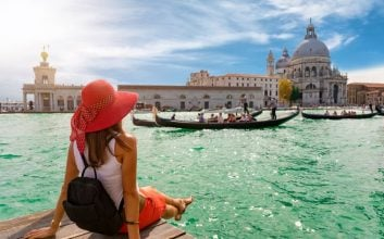 12 tips for finding the cheapest flights to Europe