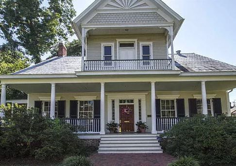Historic homes in every state that you can buy right now