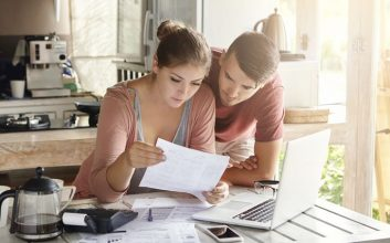 1-in-5 people think their partner is financially irresponsible