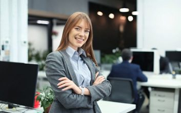 How small businesses manage human resources
