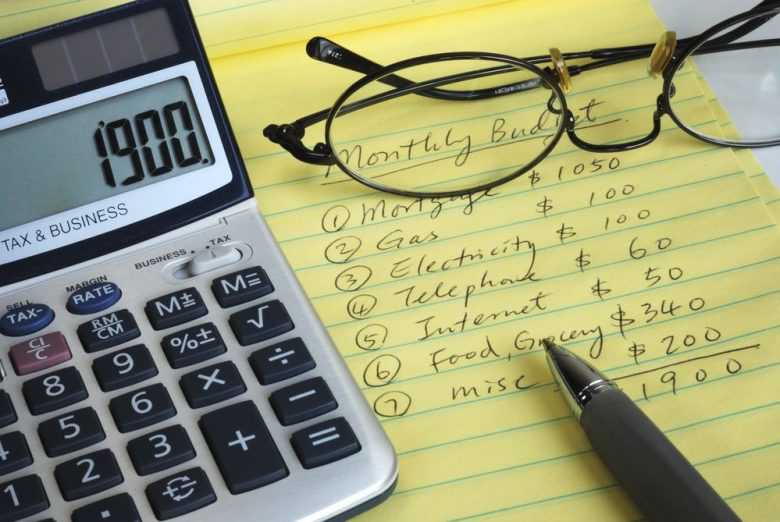 4 easy steps to properly managing credit cards