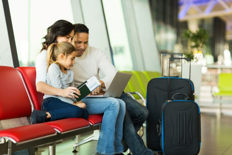 7 ways to save on holiday travel this year