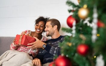 How couples can avoid those awkward holiday money conversations