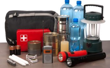 Here's what to include in your car survival kit