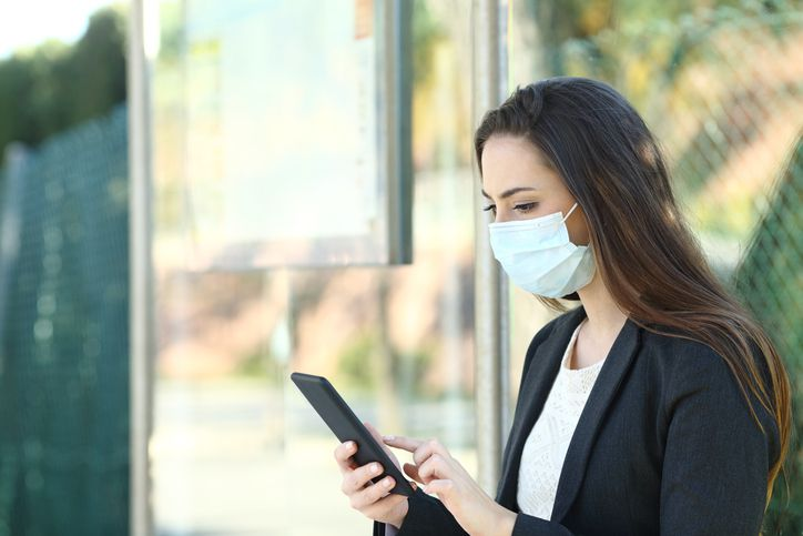 How to clean your smartphone during the coronavirus pandemic