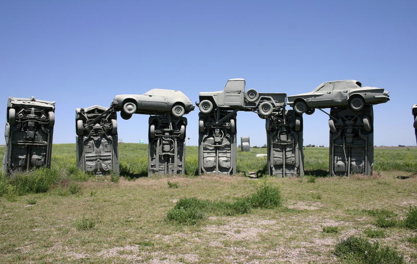 25 unusual (or just plain weird!) roadside attractions