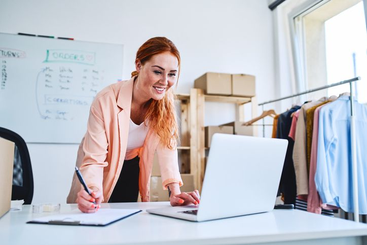 Here's why business owners should separate personal expenses