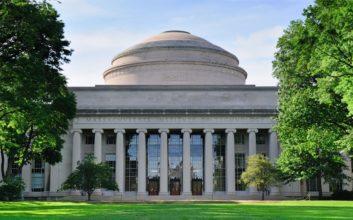Scholarships, grants & student loans for Massachusetts students