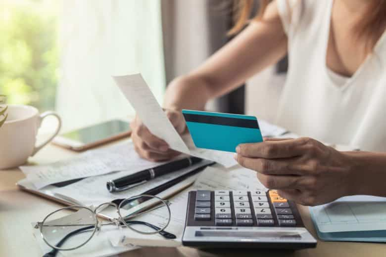 10 easy ways to cut unnecessary expenses