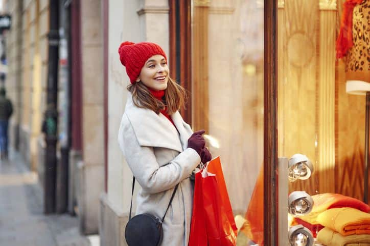 8 ways to give without breaking the bank this holiday season