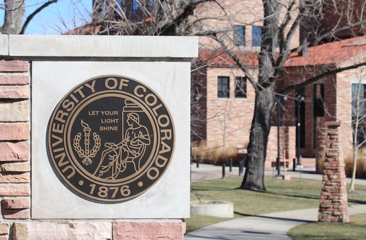 Scholarships, grants & student loans for Colorado students