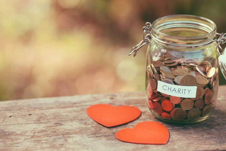 19 ways you can pay it forward on a budget
