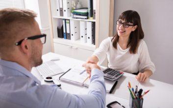Robo advisor vs. financial advisor: Which should you choose?