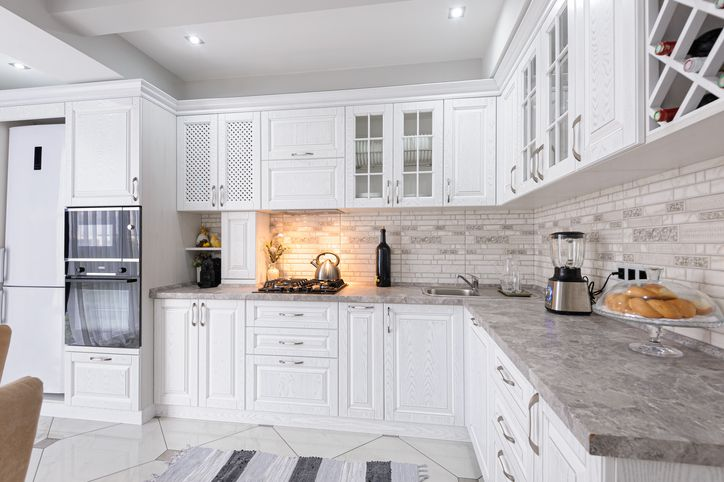 How much does it cost to reface cabinets?