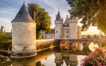 50 of the world's most beautiful castles & palaces