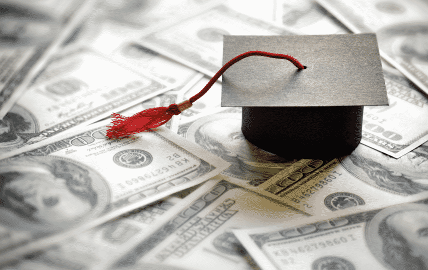 How do student loans affect your credit score?