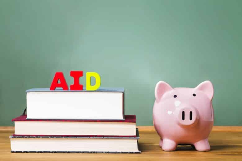 How to get merit aid for college