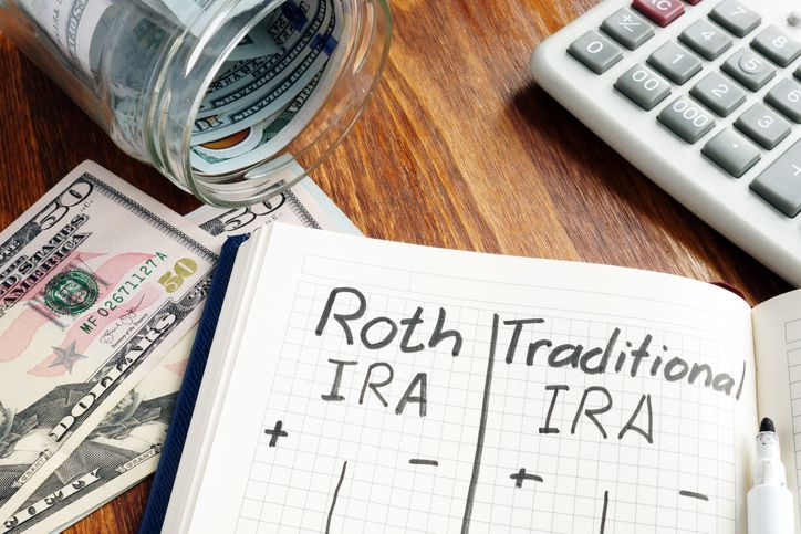 What's the difference between a traditional & Roth IRA?