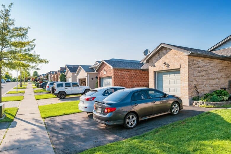 48 surprising things your HOA can ban