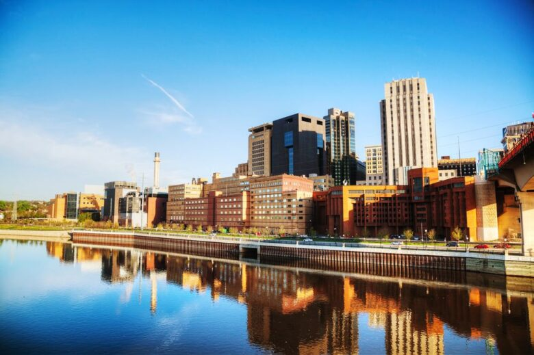 US cities where there are the most working teens
