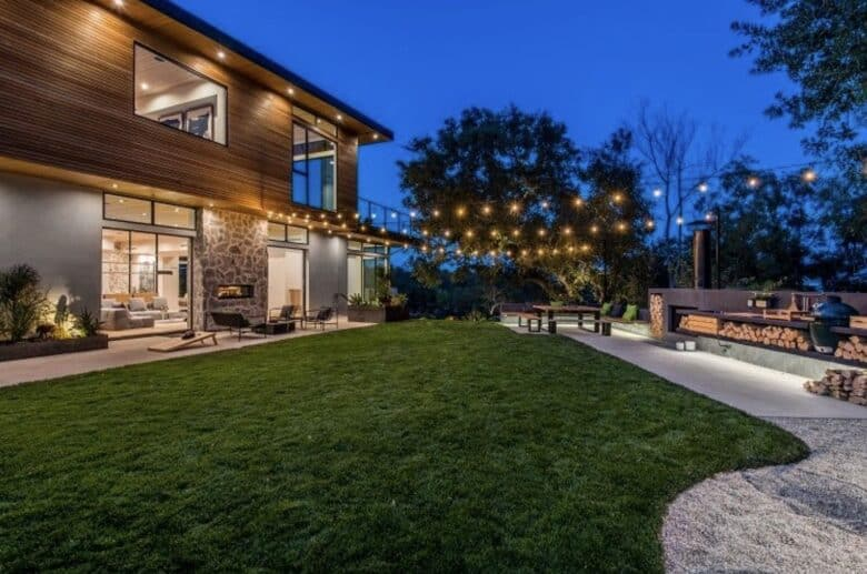 Check out this 'Modern Family' star's gorgeous new mansion