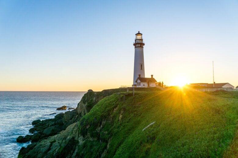 35 beautiful lighthouses across America