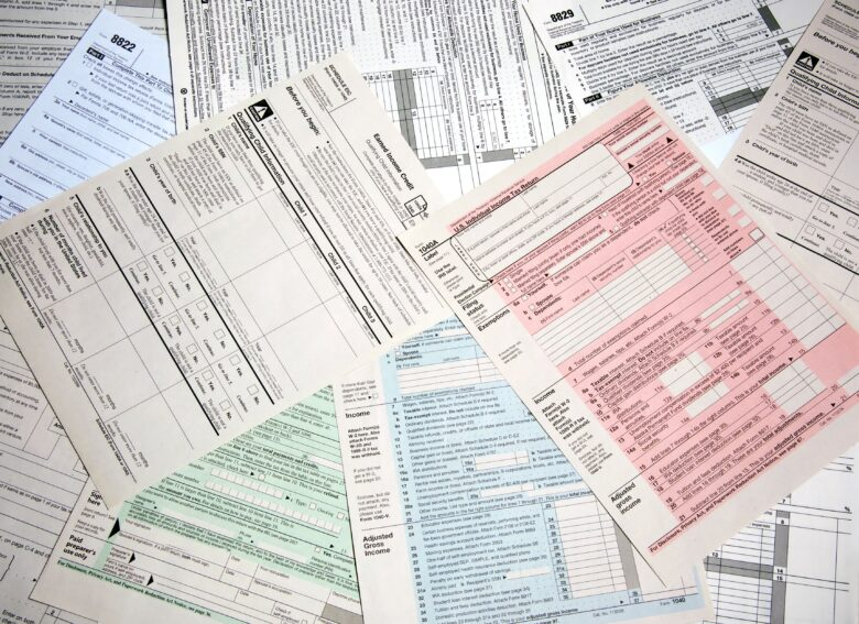 26 tax deductions for college students & other young adults