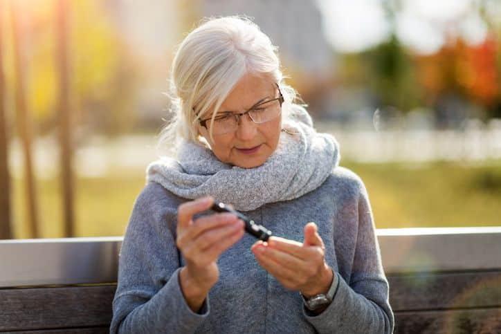 4 hidden health risks of hearing loss
