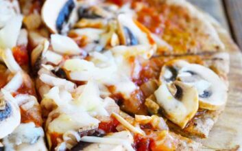 Homemade pizza's a snap with these recipes